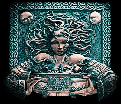 Кельтские богини часто бывают трехсторонними, это драматично