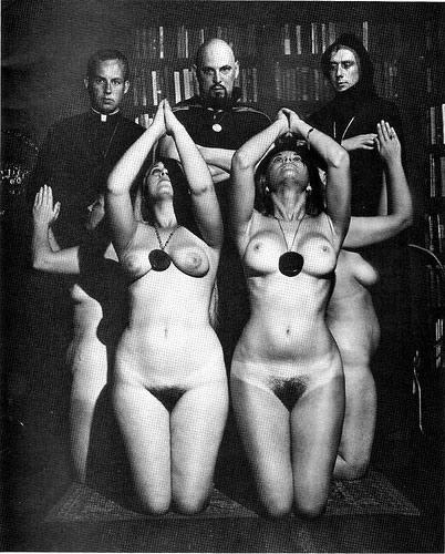 Un rituel de l'église de Satan